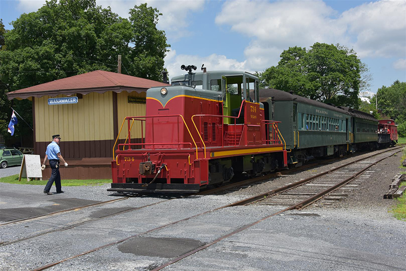 2015Jun21 WKS Touch a Train (6)